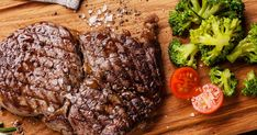 Steaks, Polenta, Meat, Studios, Collections, Food, Filet Of Beef, Ketogenic Recipes, New Recipes
