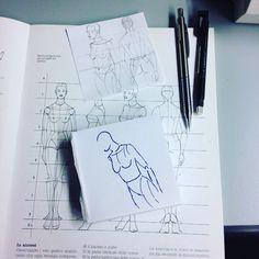 Mia atelier dal disegno alla scelta dei tessuti alla realizzazione capi su misura