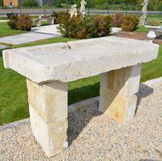 evier ancien en pierre calcaire