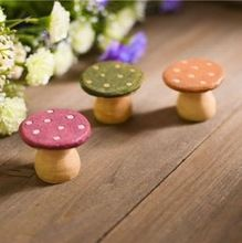 AIBEI-Resin Mushroom stools 3PCS/LOT Creative Mini Chair Photo Props miniatures garden gnome moss terrarium Decor Crafts Bonsai(China (Mainland))