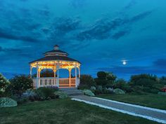 When the full moon comes up over Cape Cod Bay your guests will be mesmerized!