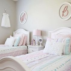 Teen girl bedrooms, jump to this trick for that total enjoyable teen girl room design, make-over number 1226833157 Twin Girl Bedrooms, Sister Bedroom, Shared Bedrooms, Girls Bedroom, Twin Girls, Twin Bedroom Ideas, Shared Girls Rooms, Girly Bedroom Decor, Bedroom Colors