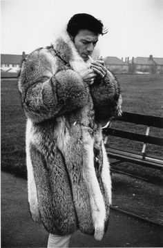 Real men wear fur. Tuurlijk lekker warm, grtjs Wijn xxx.......... Thank you for pin This again. Look also on Wijnand GambiaNeedsHelp on FB