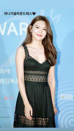 Sooyoung Snsd, Korean Artist, Girls Generation, Kpop Girls, Awards, Formal Dresses, Womens Fashion, Beauty, Soo Young