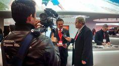 Entrevista de Manuel Lara presentado el nuevo tríptico Tu historia al canal en español ¡Hola! TV Miami. Desde mañana, Tu historia estará presente en los hogares de Latinoamérica y el Caribe.