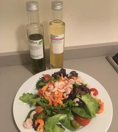 Trying a new salad dressing combination tonight all from the lovely @marqt. Please try this! The basil infused olive oil and lemon vinegar go so well together and also with the crayfish and prawns . Such a nice fresh salad following #bbg1.0 legs and cardio with a side of 15 spinning and 15 minutes abs! #healthyliving #lifestylechoices #monday #bbggirls #bbgcommunity #deathbykayla #fitlondoners #nlfitfam #follow #followme #absaremadeinthekitchen #legsandcardio #spinning #fitspo #fit #active…