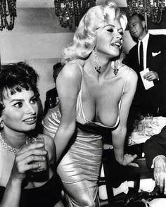Sophia Loren and Jayne Mansfield (1957)