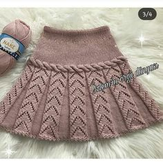 Baby Dress Girl Skirts Ideas For 2019 Knitting Baby Girl, Knitting For Kids, Crochet Baby, Knit Crochet, Baby Skirt, Black Crochet Dress, Easy Knitting Patterns, Diy Dress, Baby Sweaters