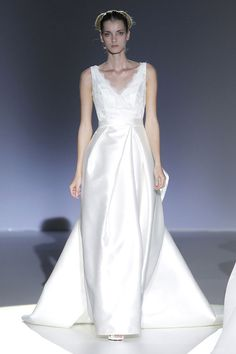 #sexi #love #jeans #clothes #coat #shoes #fashion #style #outfit #heels #bags #treasure #blouses #wedding #weddingdress #weddingday #weddingcelebration #weddingwoman Michael Cinco - svadobné šaty Svadobné šaty: Franc Sarabia - KAMzaKRÁSOU.sk