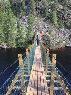 Julma ölkky. Ölökyn ylitys. Patikointi. Hossan kansallispuisto. Riippusilta. Luonto. Hiking. Finland