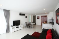 Beautiful condo in Naklua This unique low-rise Pattaya condo invites you to bask within the luxurious of seashore–side living. With an exquisite array of luxurious services, club Royal takes the Pattaya apartment living enjoy to a whole new stage of favour and luxury 70 sqm Club Royal...