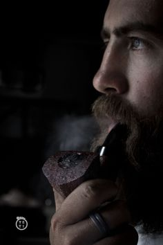men with beards and beautiful greenish-bluish eyes (possibly smoking pipes) Giving Up Smoking, Man Smoking, Pipe Smoking, Male Pattern Baldness, Pipes And Cigars, Up In Smoke, Beard Oil, Photo Backgrounds, Beard Styles