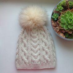 Knitted hat. Alpaka, silk, cashmere and arctic fox pompom