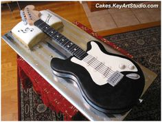 Electric Guitar Cake by Cakes.KeyArtStudio.com, via Flickr
