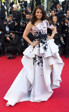 Aishwarya Rai Bachchan in a Ralph and Russo couture gown at Cannes 2015 Actress Aishwarya Rai, Aishwarya Rai Bachchan, Bollywood Actress, Hollywood Fashion, Ralph & Russo, Cannes 2015, Couture 2015, 2015 Fashion Trends, Butterfly Dress