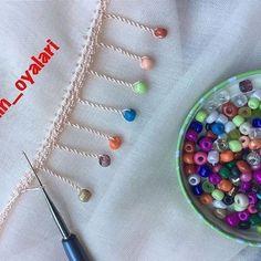Ayşegül Hanım's Awesome Crochet Needlework Models - pregnant Diy Embroidery Thread, Hand Embroidery Dress, Hand Embroidery Designs, Embroidery Stitches, Crochet Necklace Pattern, Crochet Bracelet, Crochet Lace Edging, Crochet Videos, Sewing Crafts