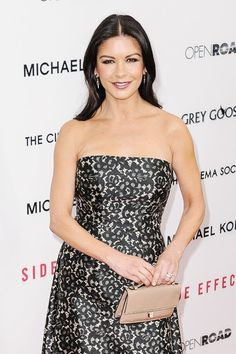 Catherine Zeta Jones....beauty!