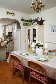 Victorian cottage decorated with vintage finds | Period Living