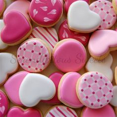 Very Cute Valentine / Valentine's Day Decorated Iced Cookies / Biscuits. Mini Cookies, Fancy Cookies, Heart Cookies, Iced Cookies, Cute Cookies, Cupcake Cookies, Sugar Cookies, Valentines Day Cookies, Valentines Day Treats