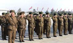 설명절을 맞으며 금수산태양궁전을 찾는 인민군군인들과 각계층 인민들-《조선의 오늘》