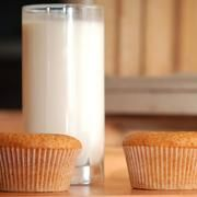 Foods to Avoid With Milk Protein Allergy | LIVESTRONG.COM