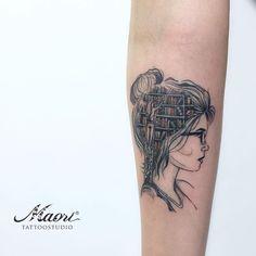 Tatuagem cabeça cheia de livros  See this Instagram post by @maoritattooes