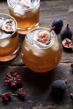 27 Whiskey Cocktail Recipes to Sip on All Weekend - drinks - Schnaps Whisky Cocktail, Cocktail Drinks, Vodka Drinks, Yummy Drinks, Cocktail Recipes, Alcoholic Drinks, Beverages, Cocktail Mix, Cocktail Shaker