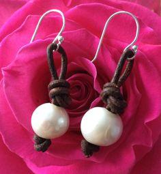 Een persoonlijke favoriet uit mijn Etsy shop https://www.etsy.com/listing/258218855/knotted-leather-dangle-earrings-with-off
