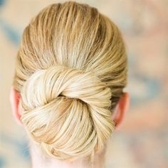love the classic, un-done nature of this bun!