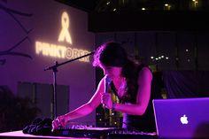 Mexican singer performing at Hard Rock Hotel Cancun during #Pinktober lighting ceremony / Madame Récamier tocó durante la ceremonia de iluminación de la campaña de #HardRock Pinktober en #Cancun