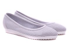 Buy affordable luxury women shoes from Ballerinas and you have the best shopping experience from our online store Lou Shoes Pointed Toe Flats, Spring Summer 2015, Ballet Flats, Ballerina, Slip On, Luxury, Sneakers, Stuff To Buy, Shopping