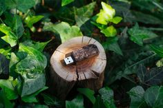 Bring some rustic charm into your drab workspace by saving your documents on this solid oak USB flash drive. It's handcrafted from gorgeous solid oak and comes encased in an equally eye-catching custom wooden box case.
