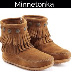 Minnetonka Conch Fringe Ankle Boots..NWOT I'm sad to sell these but too big for meadorable Minnetonka ankle boots feature conch detail and fringe, moccasin foot and back zippers Minnetonka Shoes Ankle Boots & Booties