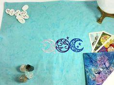 Tarot Spread Cloth Triple Moon