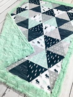 Moose Baby Blanket -Moose Quilt - Faux Quilt - Designer Minky - Mint - List of the most beautiful baby products Baby Knitting Patterns, Baby Boy Quilt Patterns, Baby Boy Quilts, Baby Boy Blankets, Cute Quilts, Easy Quilts, Baby Sewing Projects, Quilting Projects, Moose Quilt