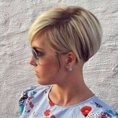 Short Hairstyles 2017 Womens 4 Fashion and Women Haircut For Thick Hair, Haircut And Color, Short Hairstyles For Women, Cute Hairstyles, Short Haircuts, Wedge Hairstyles, Fashion Hairstyles, School Hairstyles, Trending Hairstyles
