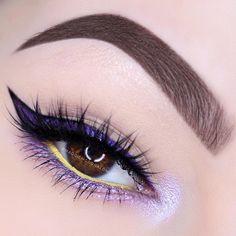 """Contrast  ---------------------------------------- Makeup Details :  Eyeliners :  @AnastasiaBeverlyHills Deep Purple Shadow + @Inglot_USA Duraline &…"""