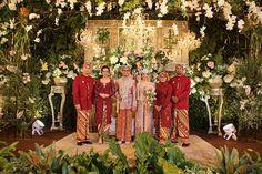 Vintage wedding rustic dress 37 Ideas for 2019 Foto Wedding, Wedding Stage, Wedding Themes, Dream Wedding, Wedding Decorations, Wedding Dresses, Kebaya Wedding, Wedding Attire, Javanese Wedding
