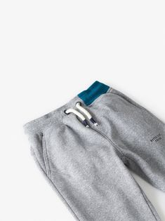 Pants with contrasting elastic waistband and adjustable front drawstring. front pockets and back patch pockets. front printed text and cuffed hem. Zara Boys, Back Patch, Striped Pants, Jogging, Contrast, Sweatpants, Legs, Pockets, Printed