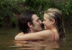 Endless Love Trailer, a remake of the film starring Brooke Shields, stars Alex Pettyfer and Gabriella Wilde. It was filmed in Conyers, Georgia. Endless Love Movie, Endless Love 2014, Gabriella Wilde, Romance Movies, Drama Movies, Comedy Movies, Hampshire, Love Trailer, Trailer Peliculas