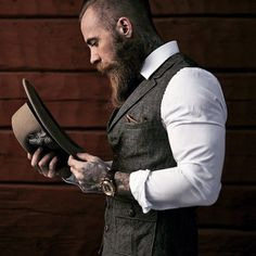 37 new ideas fashion mens hipster beard tattoo Hipster Outfits, Hipster Fashion, Urban Fashion, Trendy Fashion, Mens Fashion, Beard Fashion, Hipster Beard, Hipster Man, Gilet Costume