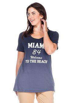 sheego T-Shirt mit Frontdruck und trendigem Farbverlauf.