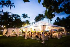 Tent reception with canopied lounges around the d-floor