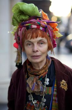 Raga Woods: such a great attitude – ADVANCED STYLE #SayNoToAgingGracefully #AgeWithGusto #DressYourAgeHeckNo