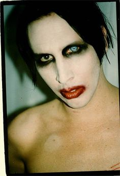 Portrait of an American Family, the young Marilyn Manson 3/4 view