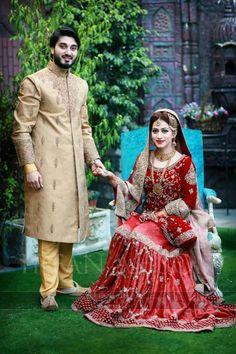 Couple Wedding Dress, Desi Wedding Dresses, Wedding Poses, Wedding Couples, Wedding Ideas, Indian Wedding Couple Photography, Bride Photography, Mehendi Outfits, Pakistan Wedding