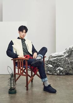 """Eunwoo (Astro)- Love or Hate ? """"Life is short but check yourself in the mirror before you go out"""" Asian Actors, Korean Actors, Cha Eunwoo Astro, Lee Dong Min, Hyung Sik, Sanha, Korean Star, Perfect Boy, Kpop Guys"""