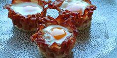 Lækre små muffins med æg og bacon som smager vidunderligt, og som oveni købet er nemme at lave. Kan spises både som morgenmad, brunch eller frokost.