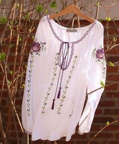 Folk Embroidery Tutorial Ie Couture Embroidery, Folk Embroidery, Painted Clothes, Folk Fashion, Gorgeous Fabrics, Western Outfits, Jackets For Women, Cute Outfits, Feminine