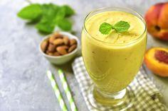 Pfirsich-Smoothie mit Mandelmilch